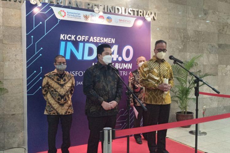 Menteri Perindustrian bersama Menteri BUMN usai melakukan penandatanganan Memorandum of Understanding (MoU) tentang pelaksanaan asesmen Indonesia Industry 4.0 Readiness Index (INDI 4.0) untuk Badan Usaha Milik Negara (BUMN) di Jakarta, Kamis (22/4/2021). (Tangkapan Layar)