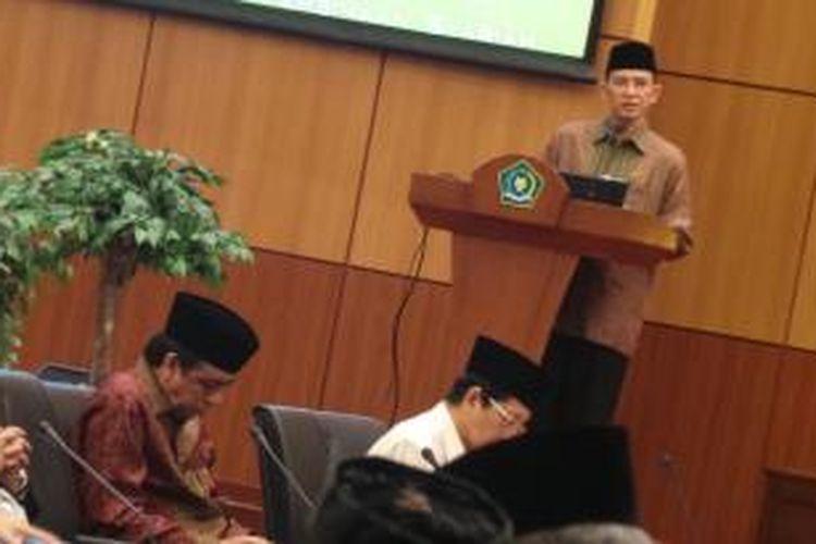Menteri Agama Suryadharma Ali saat membuka sarasehan dengan berbagai organisasi masyarakat Islam di Kantor Kementerian Agama, Jakarta, Rabu (7/8/2013).