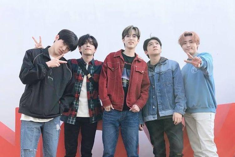 Personel grup band asal Korea Selatan DAY6