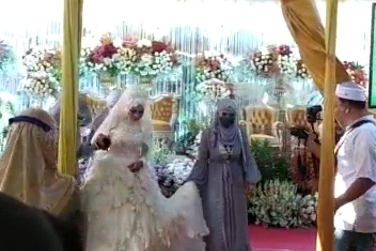 Acara pernikahan yang digelar oleh tokoh agama Jember di tengah penerapan PPKM level 4