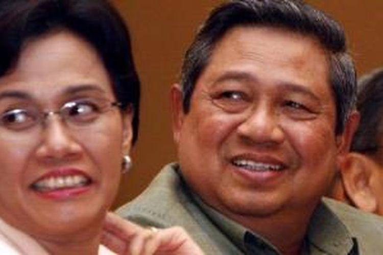 Sri Mulyani saat masih menjabat sebagai Menkeu, ketika mendampingi Presiden Susilo Bambang Yudhoyono.