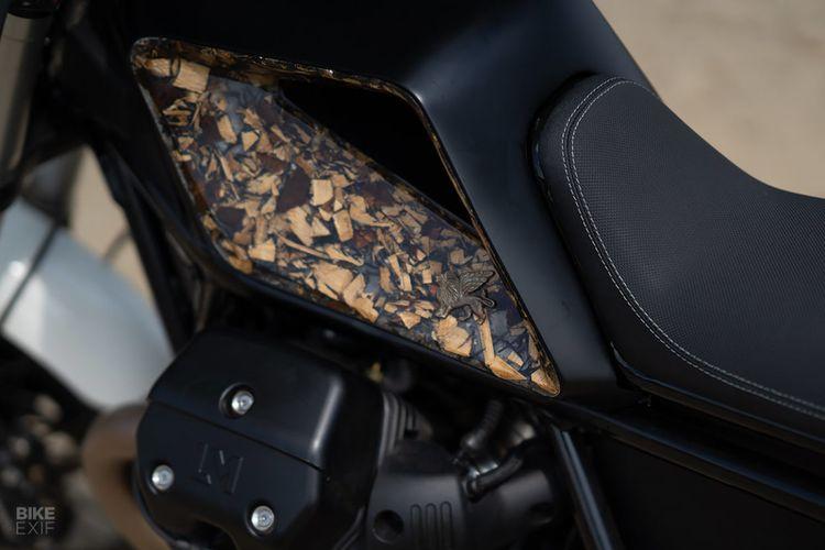 Moto Guzzi V85 TT bergaya tracker