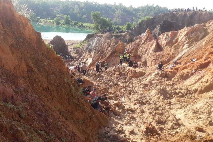 Lokasi longsoran tambang timah Pemali Bangka, Rabu (23/6/2021).