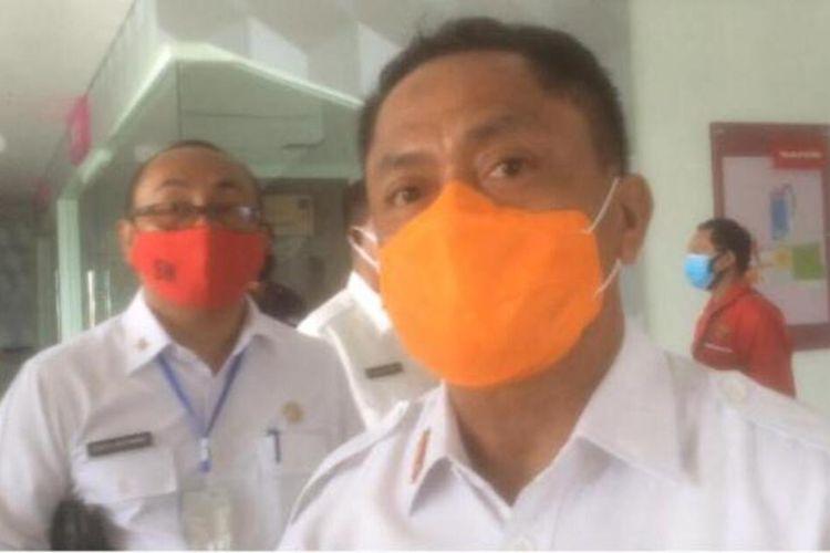 Ketua Harian Gugus Tugas Percepatan Penanganan Covid-19 Maluku, Kasrul Selang saat diwawancarai wartawan di RSUP dr J Leimena Ambon, Rabu (27/5/2020)