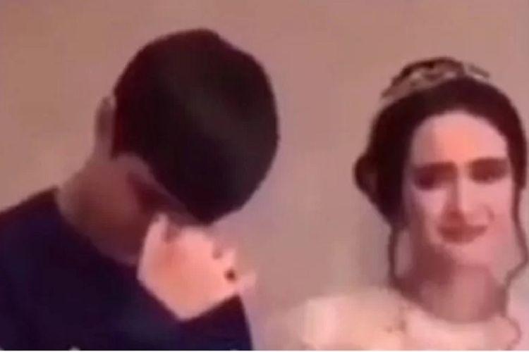 Potongan rekaman video memperlihatkan seorang pria Chechen menangis di pernikahan saudaranya. Pria itu kemudian meminta maaf karena dianggap melanggar etika Chechen.