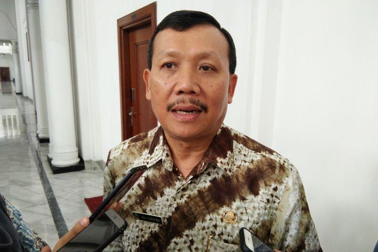 Sekda Jabar Iwa Karniwa saat ditemui di Gedung Sate, Jalan Diponegoro, Rabu (7/11/2018).