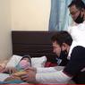 Kunjungi Mak Nyak, Raffi Ahmad Minta Ampun karena Inginkan Oplet Si Doel