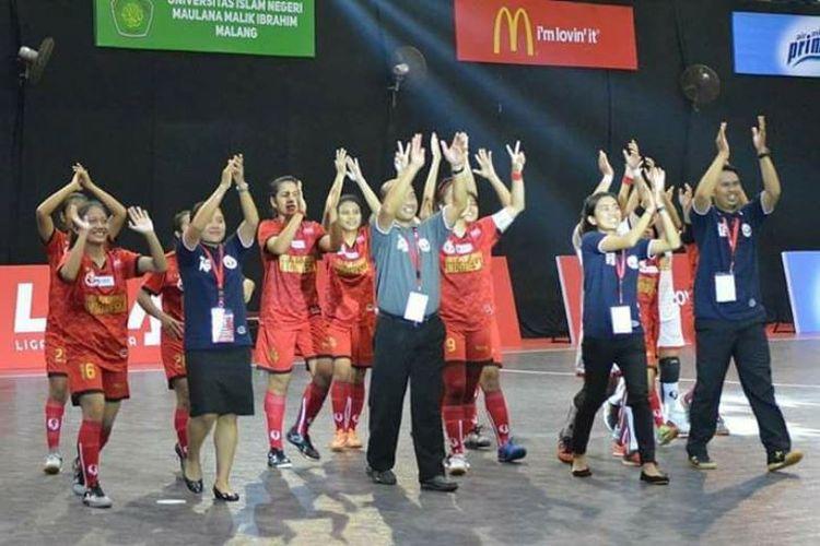 Tim futsal putri Universitas Pendidikan Indonesia (UPI) kembali mempertahankan gelar juara LIMA Futsal Nationals untuk keempat kalinya secara berturut-turut.