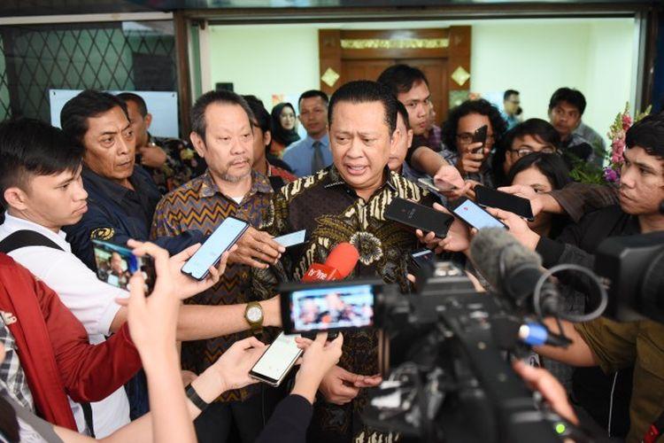 Ketua DPR RI Bambang Soesatyo saat memberikan keterangan pers terkait permasalahan anggaran LPSK.