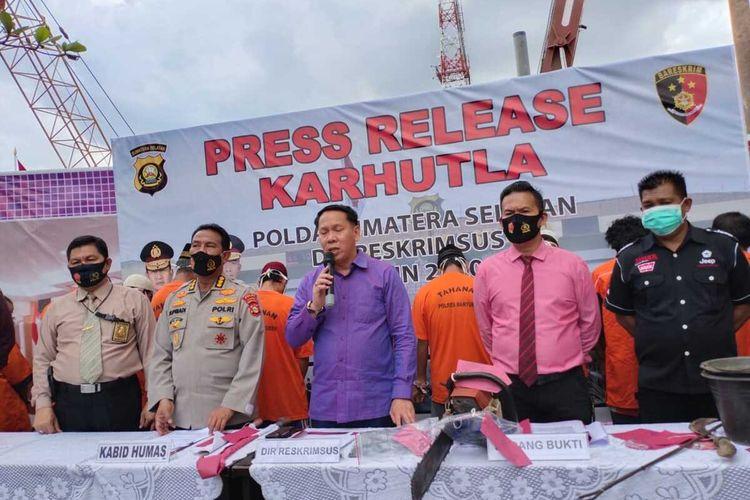Polda Sumatera Selatan saat melakukan gelar perkara terhadap 22 tersangka pembakaran hutan dan lahan, Selasa (1/9/2020).