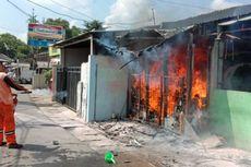 Kebakaran di Ciracas, Hanguskan Kios Laundry dan Warung Makan