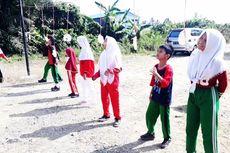 Saat Puluhan pelajar Disabilitas Ikut Merasakan Lomba Makan Kerupuk, Balap Karung...