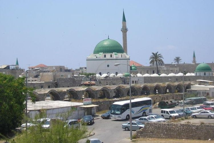 Masjid El-Jazzar dibangun pada 1781 dan dianggap sebagai salah satu masjid terindah di Israel.