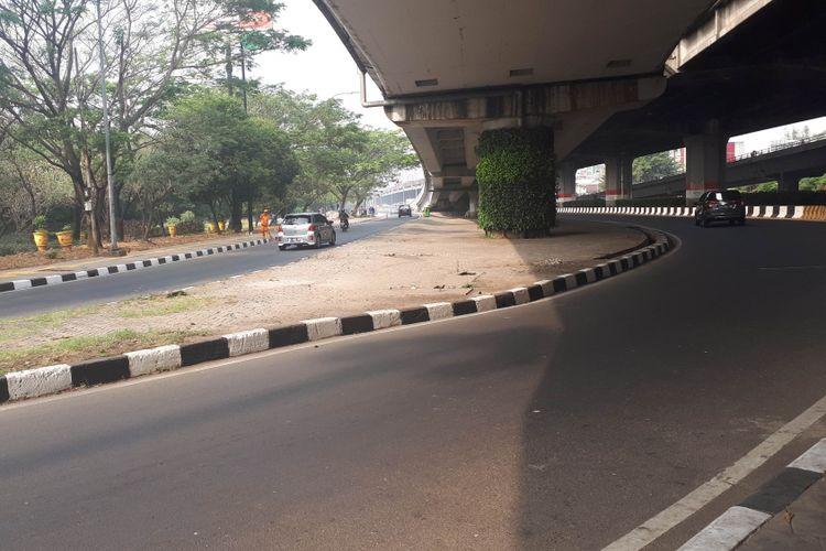 Kondisi Lalu lintas di Simpang Perintis Kemerdekaan, Cempaka Putih, Jakarta Pusat, Rabu (1/8/2018)