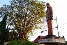 Rachmawati dan Patung Pertama Bung Karno di Kota Blitar