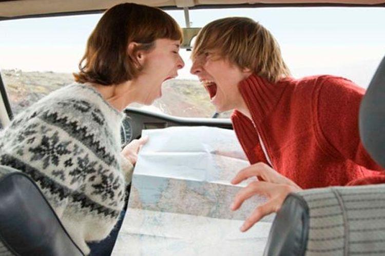 Ilustrasi cekcok dengan pasangan saat berkendara