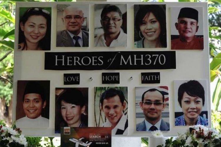 Foto awak kabin pesawat Malaysia Airlines MH370 yang hilang, ditampilkan saat doa bersama di sebuah sekolah di Petaling Jaya, Malaysia, 8 Maret 2016.