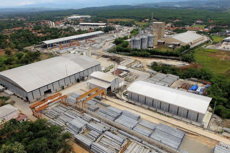Plant Sadang milik PT Waskita Beton Precast yang dijadikan lokasi produksi tiang listrik beton.