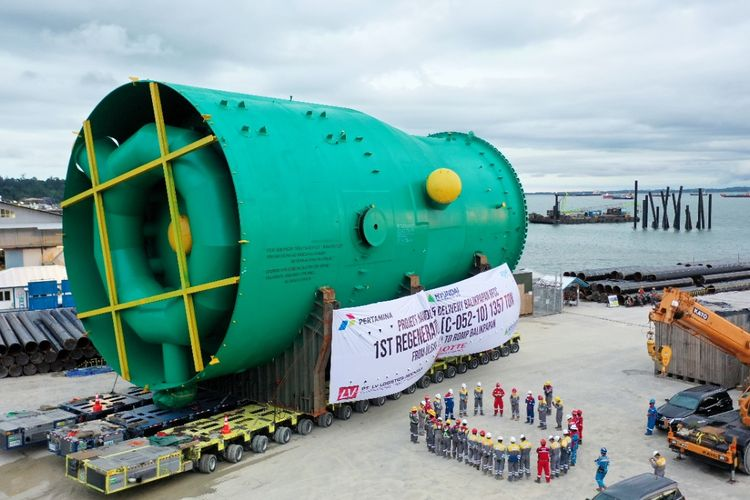 LV Logistics Indonesia mendatangkan kargo vital dari proyek RDMP Kilang Pertamina yang ada di Balikpapan sebesar 1.400 ton dari Korea Selatan, Jakarta, Jumat (20/8/2021).