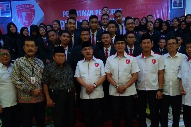 Mantan ketua KPK Antasari Azhar ketika melantik Garda Jokowi di Palembang, Sumatera Selatan, Jumat (9/11/2018).