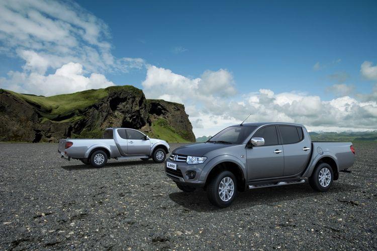 Mitsubishi Triton generasi kedua alias Strada Triton yang meluncur tahun 2008