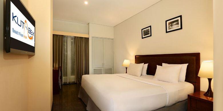 Kamar tipe Superior Room di Kutabex Beach Front Hotel, Bali.
