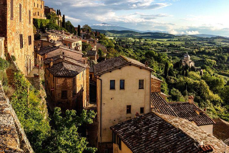 Ilustrasi pedesaan di Italia.