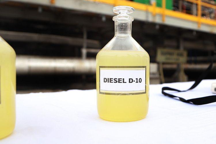 Indonesia telah mampu menghasilkan solar campuran nabati atau green diesel dengan kualitas lebih baik. Saat ini Pertamina menghasilkan 12 ribu barel per hari dengan campuran 12,5 persen minyak sawit.