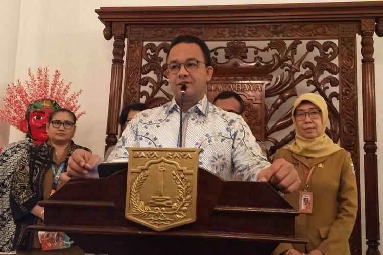 Gubernur DKI Jakarta Anies Baswedan melakukan konferensi pers terkait virus corona di Balai Kota DKI Jakarta, Senin (2/3/2020).