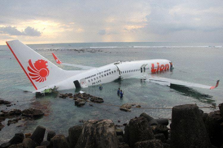 Lion Air JT610 undershot di Ngurah Rai, Bali, 13 April 2013.