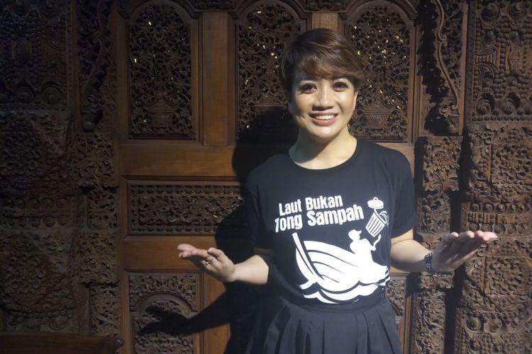 Prita Laura hadir dalam kegiatan pemutaran film dokumenter dan diskusi di Bentara Budaya Jakarta, Selasa (14/5/2019), mengenai kepedulian terhadap laut di Indonesia.
