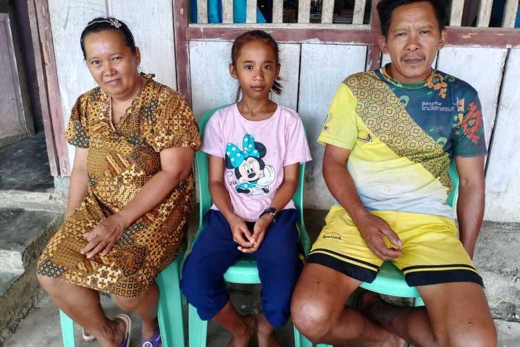 Melan dan kedua orang tuanya, Kamis (30/01/2020)