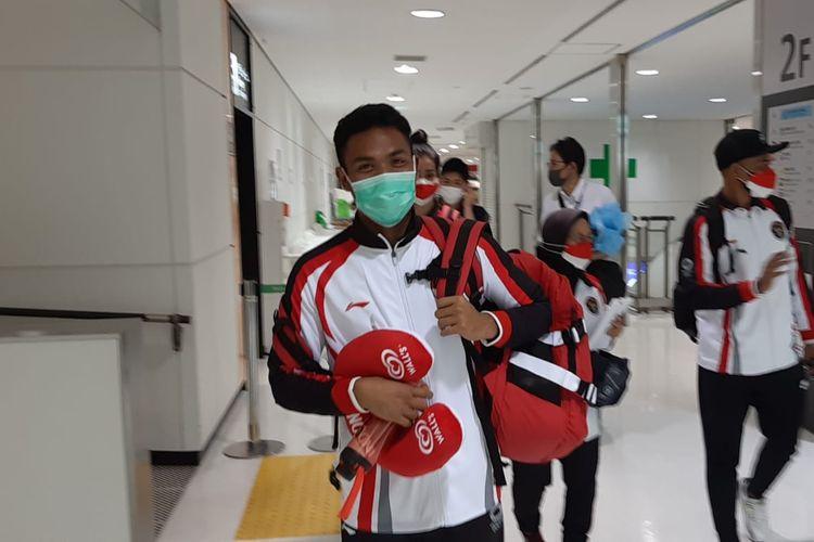 Sprinter andalan Indonesia, Lalu Muhamad Zohri, saat tiba di Tokyo pada Minggu (25/7/2021). Zohri akan turun di nomor 100 meter putra Olimpiade Tokyo 2020.