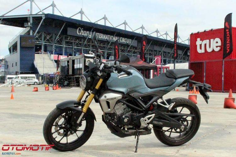 Honda CB150R ExMotion.