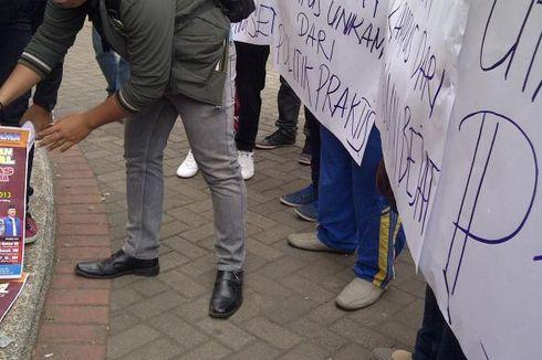 Foto Mahfud MD Dibakar di Malang