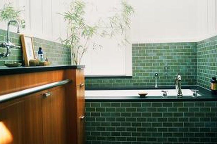 Ilustrasi penggunaan keramik di kamar mandi.