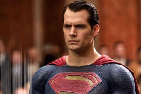 Henry Cavill: Jubah Superman Masih Menjadi Milikku