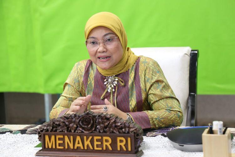 Selama pemberlakuan pembatasan kegiatan masyarakat (PPKM) darurat, Menteri Ketenagakerjaan (Menaker) Ida Fauziyah meminta buruh dan pengusaha untuk menghindari terjadinya pemutusan hubungan kerja (PHK).