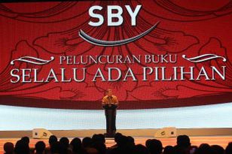 Presiden Susilo Bambang Yudhoyono memberikan sambutan dalam acara peluncuran bukunya yang berjudul 'SBY Selalu Ada Pilihan' di Jakarta Convention Center, Jumat (17/1/2014). Buku yang ditulis langsung oleh SBY tersebut mengisahkan tentang 8 tahun kepemimpinannya sebagai Presiden RI.