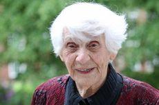 Perempuan Jerman Raih Gelar Doktor pada Usia 102 Tahun