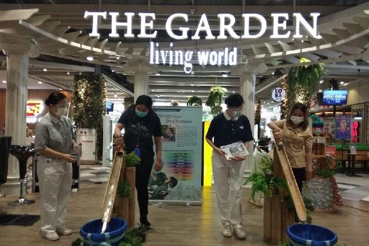 Memperingati hari jadi ke-10, Living World Alam Sutera adakan serangkaian kegiatan sosial.
