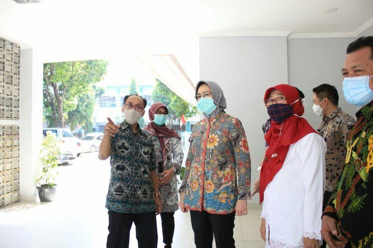 Pemkot Tangsel yang dipimpin oleh Airin Rachmi Diany terus berkomitmen untuk mengembangkan pelayanan dan fasilitas kesehatan yang baik bagi masyarakat Tangsel.