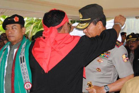 Panglima TNI dan Kapolri Dianugerahi Gelar Kehormatan Adat Maluku