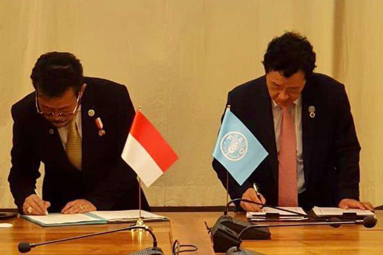 Mentan Syahrul Yasin Limpo dan Dirjen FAO Qu Dongyu menandatangani MoU penguatan Kerja Sama Selatan-Selatan serta Triangular (KSST) di bidang pertanian dan ketahanan pangan.