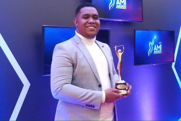 Andmesh Kalameng didapuk menjadi Artis Solo Pria Pop Terbaik digelaran AMI Awards 2019.