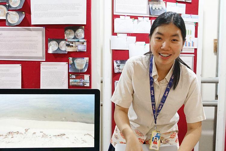 Siswi kelas 10 Sinarmas World Academy, Rania, pemenang MYP Innovator?s Grant  dengan nama karya: A New Life for Plastic.