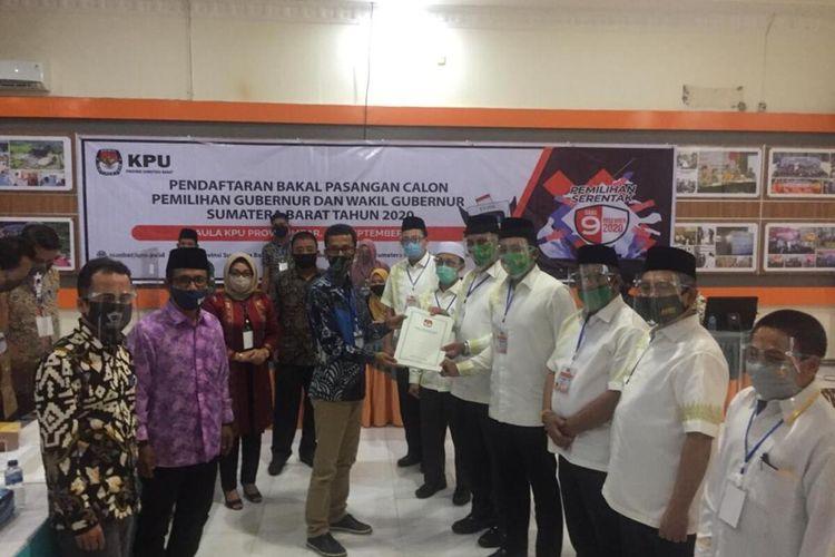 Paslon Mahyeldi-Audy mendaftar ke KPU Sumbar, Jumat (4/9/2020)
