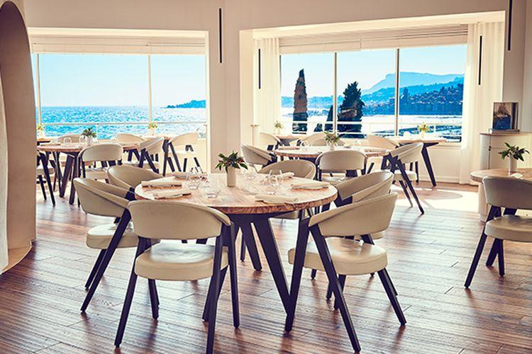 Interior restoran Mirazure, Perancis pemenang The Worlds 50 Best Restaurant 2019.