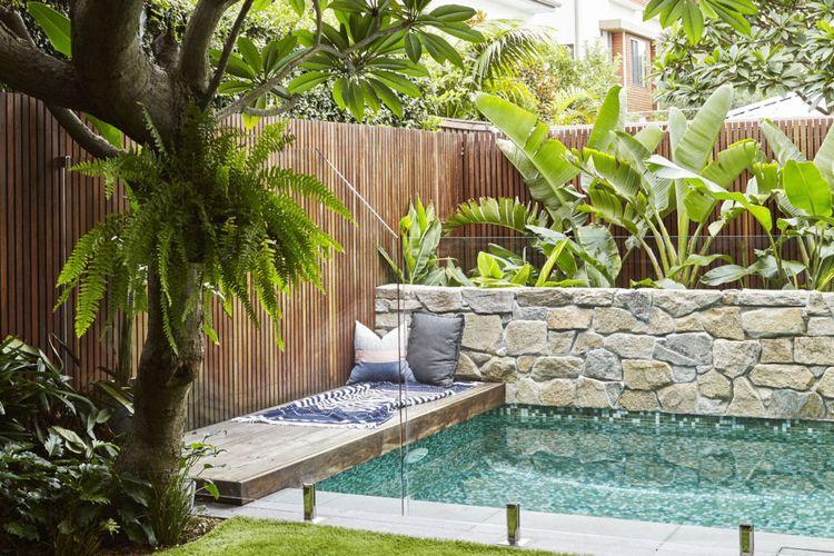 Ilustrasi kolam renang.