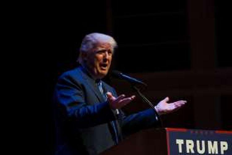 Donald Trump saat berkampanye di Maine, Kamis (4/8/2016).